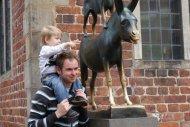 Leander und der Esel (wer ist jetzt gemeint?)
